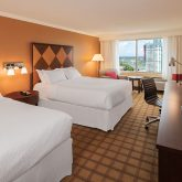 four-points-by-sheraton-guestroom